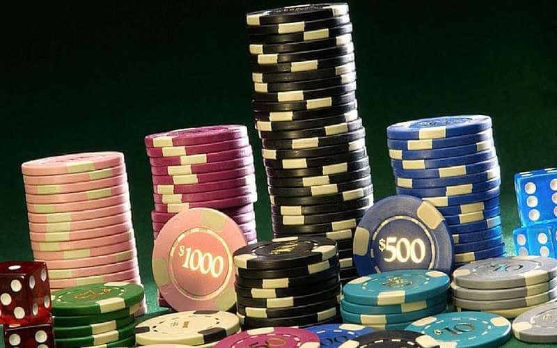 Delta i live pokerturneringar i Sverige